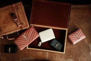 インスタグラム用、バッグ&小物商品撮影の写真です。クライアントはAMAZING CIRCUSです。(8n-120)