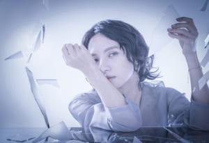 ウェブサイト(WEB)用のジュエリー&アクセサリーファッション モデル メンズ撮影、アイキャッチ画像(11o-193)
