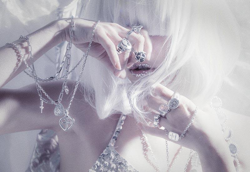 ウェブサイト(WEB)用のジュエリー&アクセサリーファッション モデル レディース撮影、アイキャッチ画像(1o-160)
