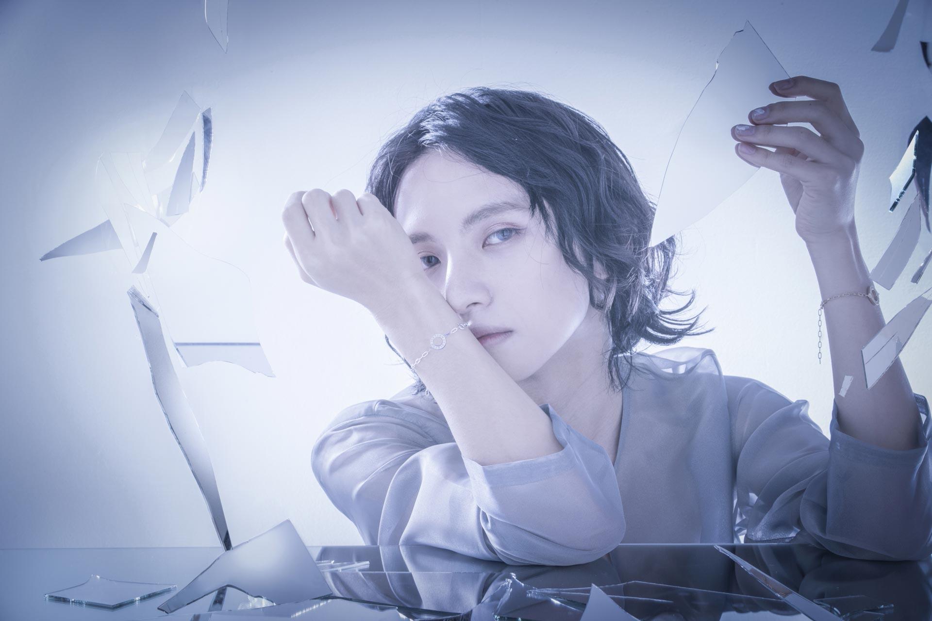 ウェブサイト(WEB)用、ジュエリー&アクセサリーファッション モデル メンズ撮影の写真です。クライアントはDUBです。(11o-193)
