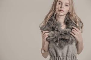 ウェブサイト(WEB)用、アパレルファッション モデル レディース撮影の写真です。(1o-180)